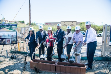 From left to right: City of San Diego District 4 Councilmember Myrtle Cole, Jacobs Center President and CEO Reginald Jones, Jacobs Center and Jacobs Family Foundation Board Member Valerie Jacobs Hapke, City of San Diego Economic Development Department Director Erik Caldwell, Jacobs Center Vice President of Impact and Marketing Angela Titus, Norm Hapke and County of San Diego District 1 Supervisor Greg Cox